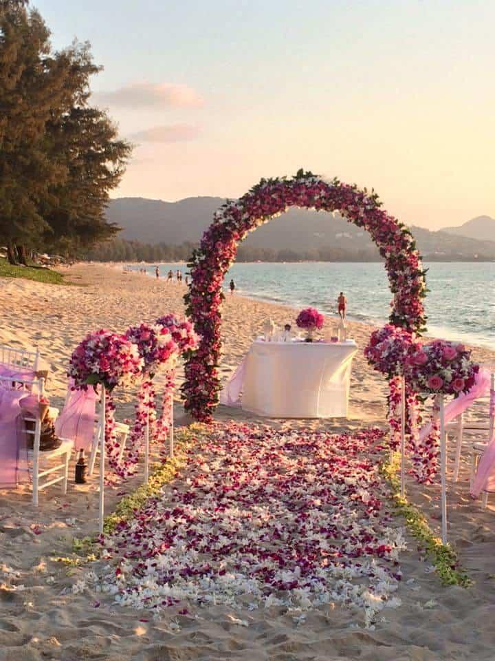 海滩婚礼开花普吉岛泰国
