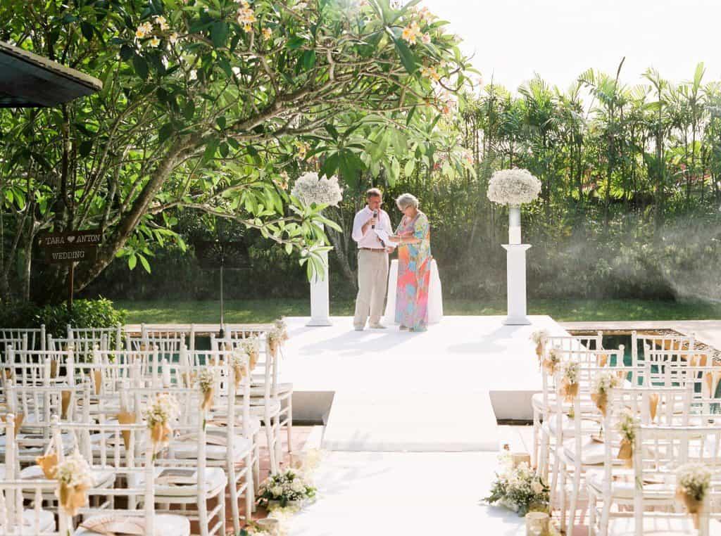 别墅婚礼鲜花普吉岛