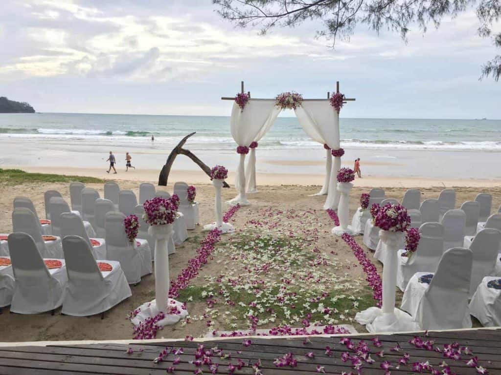 Phuket-beach-club-wedding-flowers-9