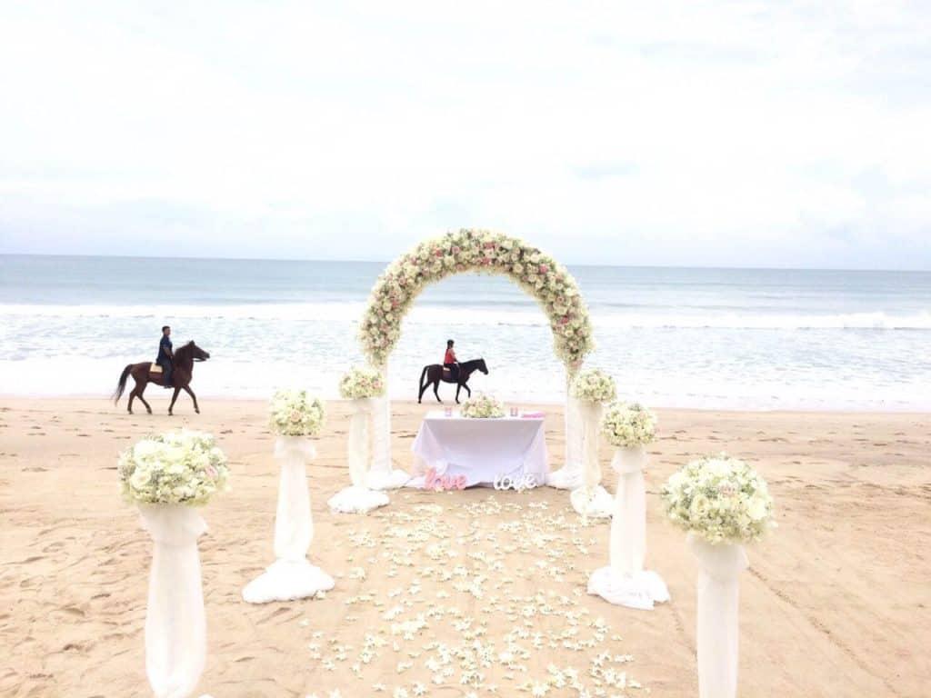 Beach Wedding Ceremony Phuket